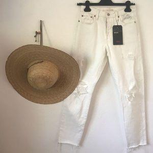 Levi's white wedgie jean sz26